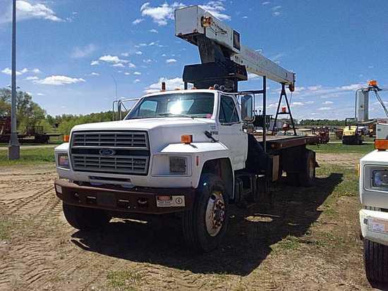 '92 Ford F700 Crane Truck