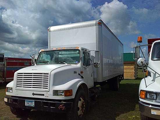 '01 International 4700 Van Truck