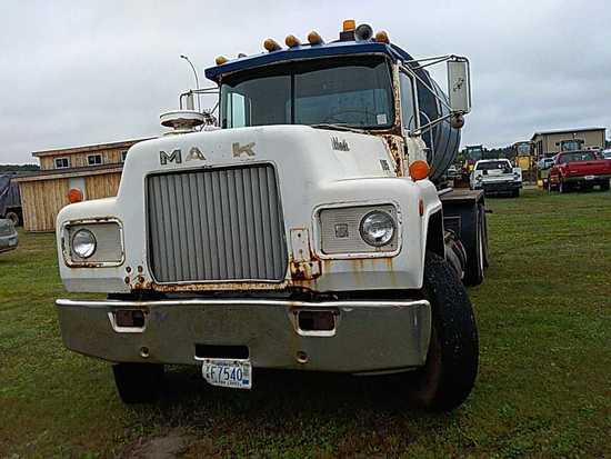 '78 Mack Water Truck