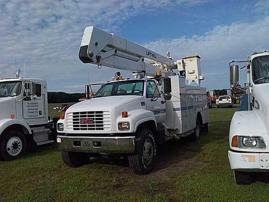 '02 GMC C7500 Bucket Truck