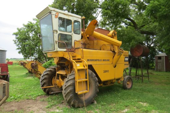 Minneapolis Moline Model 2890 Combine, SN# MZ42206, Cab, M-98 3-Row Cornhead Attachment & 13' Grain