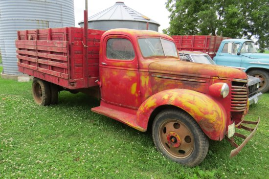 1930's Chevrolet Single Axle Grain Truck, 12' Box & Hoist.