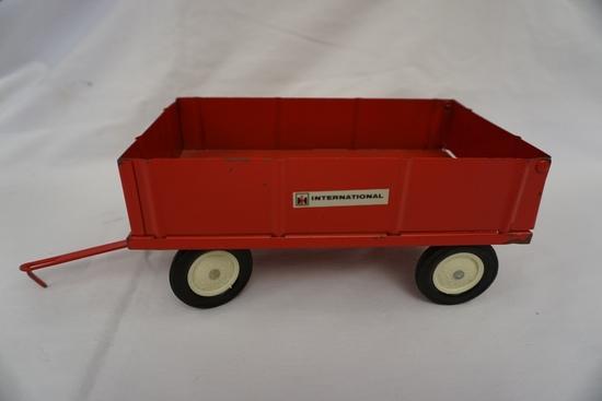 Die Cast Metal 1/16 Scale International Wagon (No Box).