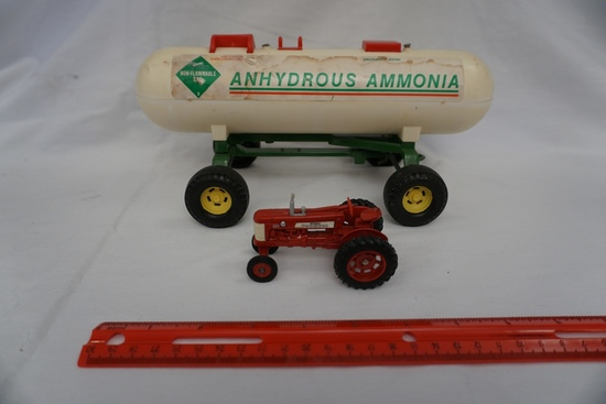 Die Cast Metal 1/64 Scale International Farmall 350 Tractor & 1/16 Scale An
