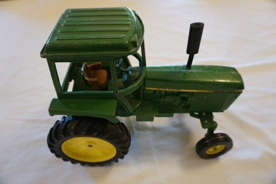 Ertl Die Cast Metal 1/16 Scale John Deere Tractor (No Box).