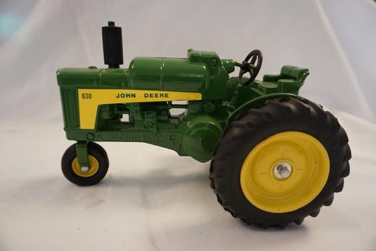 Ertl Die Cast Metal 1/16 Scale John Deere 630LP Tractor, 1989 Special Editi