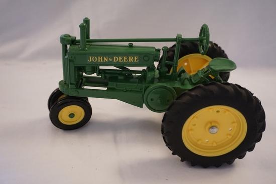Ertl Die Cast Metal 1/16 Scale John Deere Model A Tractor (No Box).