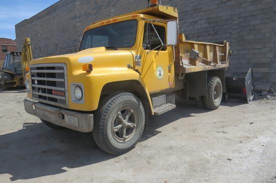 1988 International S1600Single Axle Dump Truck, VIN 1HTLAZPM5J538171,International V8 Diesel Engin