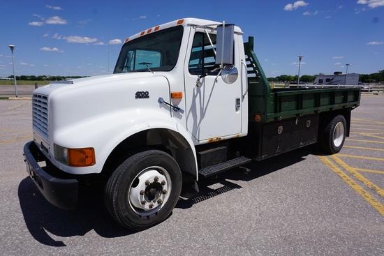 2000 IHC Model 4700 LP 4x2 Single Axle Dually Flatbed Truck, VIN# 1HTSLAAM6YH242475, DT466E Diesel E