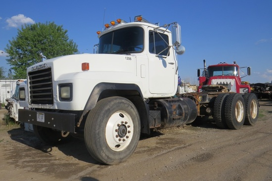1998 Mack Model RD688S Tandem Axle Conventional Day Cab Truck Tractor, VIN#1M2P267Y6WM038983, Mack E