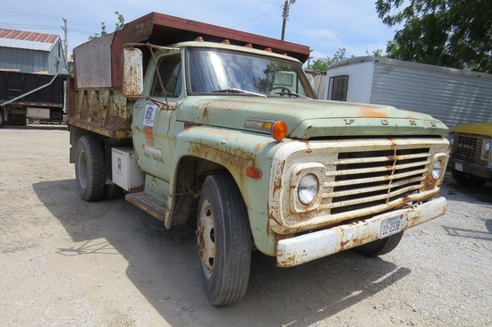 1971 Ford F-500 Single Axle Dump Truck, VIN#F50CCL68019, V-8 Gas Eng., 4 & 2 Trans., Hyd. Brakes, Ch