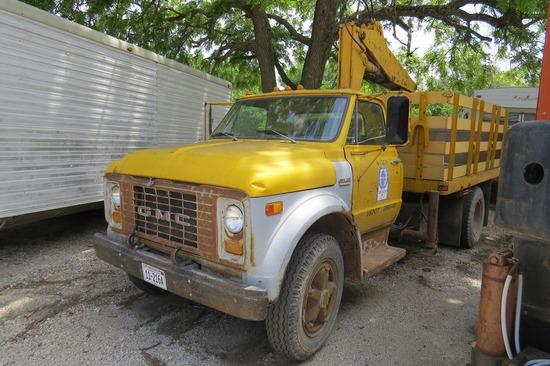 1970 GMC Model 6500 1-Axle Knuckle Boom Crane Truck, V-6 Gas Engine, 4&2 Trans., Hyd. Brakes
