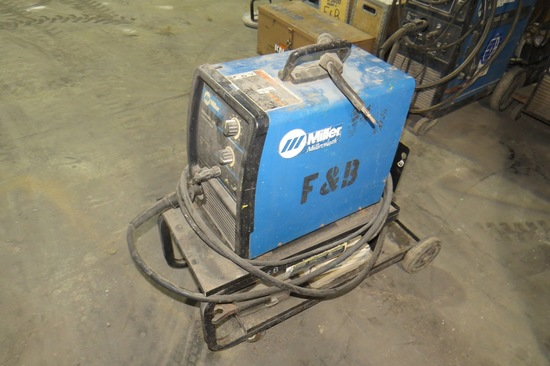 Miller Millermatic 135 115V Wire Welder on Cart, Leads & Gun.