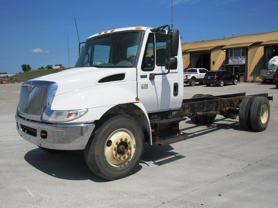 2005 IHC Model 4300 SBA 4x2 Conventional Single Axle Cab & Chassis Truck, VIN# 1HTMMAAN65H125196, DT