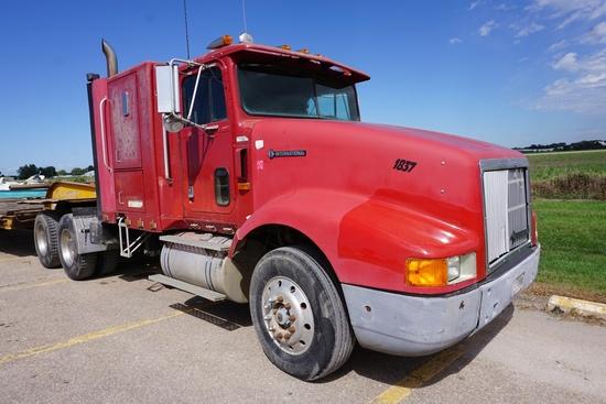 1992 IHC Model 9400 Tandem Axle Conventional Truck Tractor, VIN# 2HSFHA7R4NC062353, Cummins L-10 Die