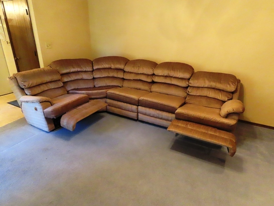 Large Overstuffed L-Shaped Sectional with Dual Recliners.