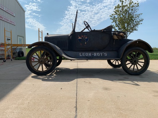 1923 Ford Roadster, VIN # 7346436, Gas Engine, Manual Transmission (Runs) (This Car spent 100% of it