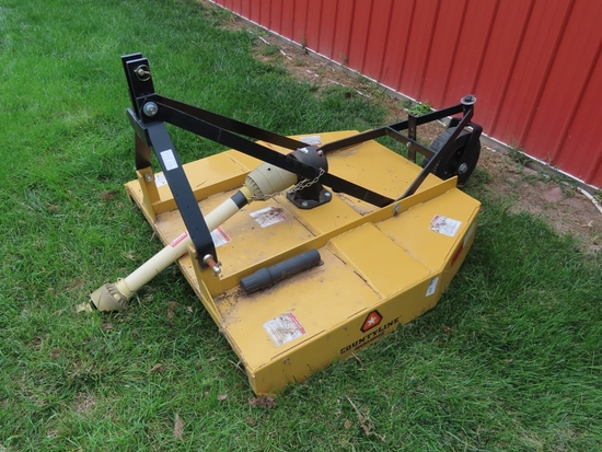 Behlen Country County Line 3-Point Shredder, 5' Width, PTO Drive, Rear Gauge Wheel, Like New Conditi