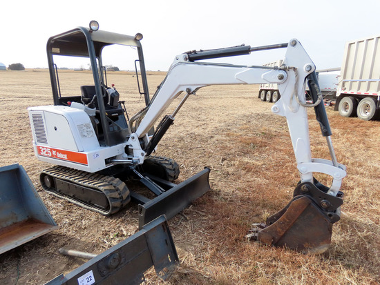 2000 Melroe I-R Bobcat Model 325 Hydraulic Mini Excavator, SN #514017248, Kubota 4-Cylinder Diesel E