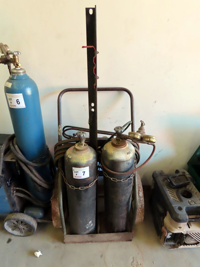 Acetylene Torch Set with Heavy Duty Cart, (2) Acetylene Tanks, Older Style Victor Gauges & Victor To