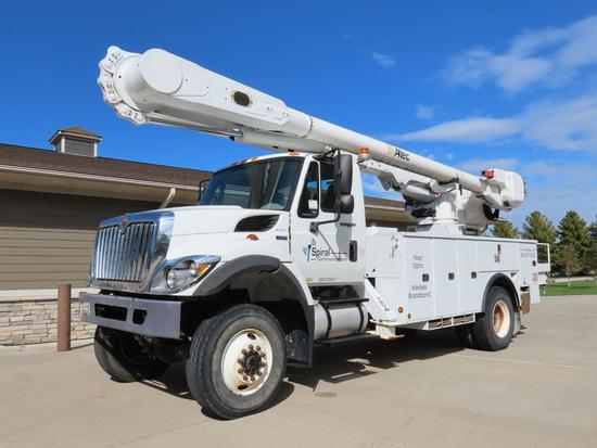 "2011 IHC Model 7300 SFA 4 x 2 ""Workstar"" Single Axle Bucket Truck, VIN #1HTWBAAN3BJ373781, Maxx Star"