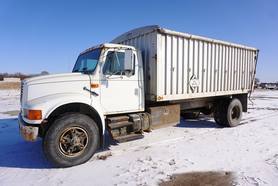 1992 International Model 4900 4x2 Single Axle Grain Truck, VIN# 1HTSDPPPXNH434575, Diesel Engine,