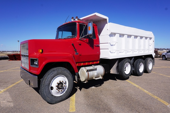 1983 Ford Model LNT9000 Conventional Triple Axle Dump Truck, Cummins 855 Diesel Engine, 9-Speed Tran