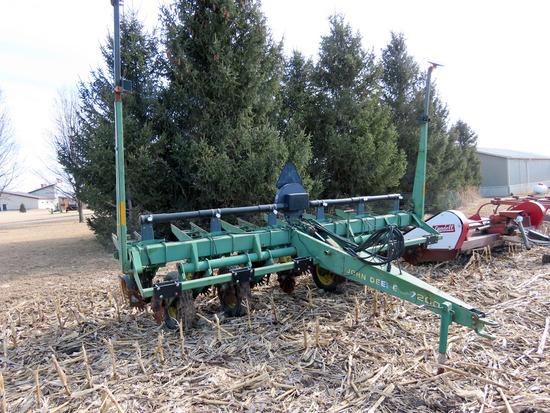 John Deere Model 7200 Max Emerge 2 Pull-type Planter, SN# AO7200A100772, 6 Row Narrow