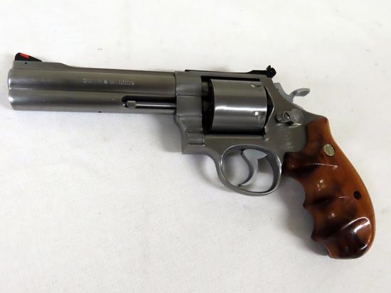 "Smith & Wesson Model 627-0 Revolver, SN# BEK4141, .357 Magnum, 5 1/2"" Stainless Steel Barrel, Model"