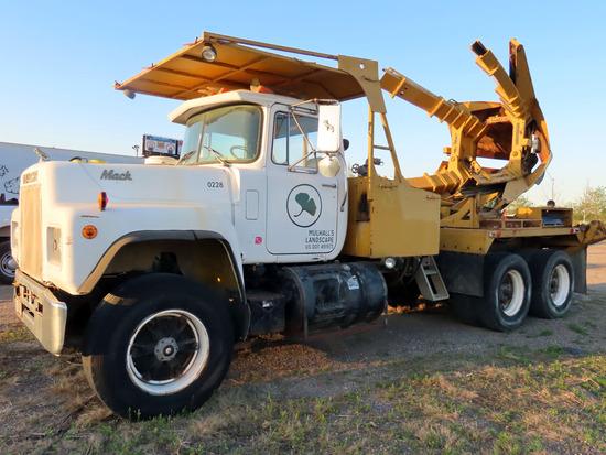 1986  Mack Model R686ST Tandem Axle Tree Spade Truck, VIN# 1M2N179Y0GA004957, Mack EM6-300 Turbo Die