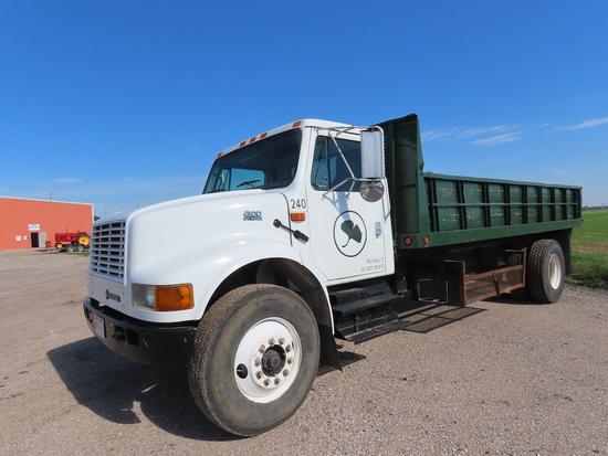 2001 International Model 4900 Single Axle Dually Flatbed Landscape Truck, VIN# 1HTSDAAN41H316553, Di