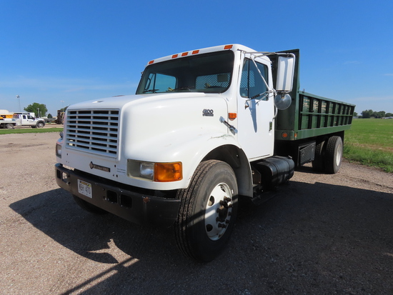 2000 International Model 4900 Single Axle Dually Flatbed Landscape Trucks, VIN# 1HTSDAAN7YH215940, D