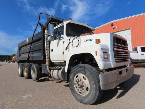 1997 Ford L-8000 Triple Axle Conventional Dump Truck, IFDYU82E6VVA28146, Cummins Turbo Diesel Engine