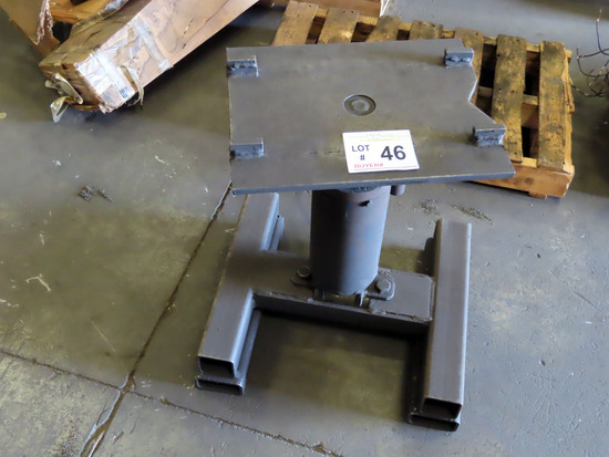Small Shop Hydraulic Lift Stand.
