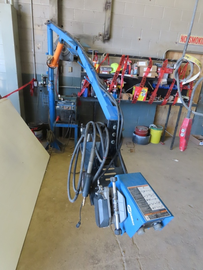 Miller Model XMT 456 CC/CV DC Invertor Arc Welder with Leads on Stand, Hydraulic Lift Arm Extension