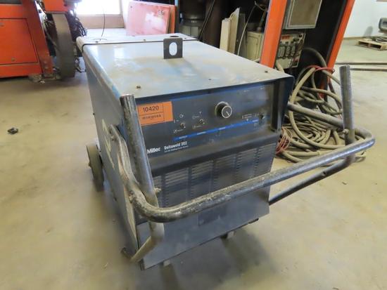 Miller Deltaweld 302 Portable CV/DC Welding Power Source on Cart (Non-Running).
