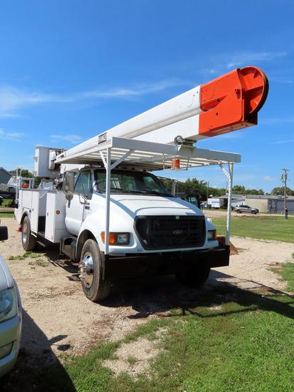 2000 Ford XL Super Duty Hydraulic Bucket Truck, VIN#3FDXF75H2YMA12630, Caterpillar 6-Cylinder Turbo