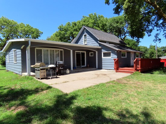Lovely Acreage & Personal Property Auction