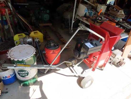 Super Tomahawk Chipper/Shredder on Cart, Tecumseh Gas Engine.