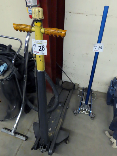 Walker 4-Ton Long Frame Hydraulic Floor Jack.