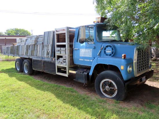 1973 Ford Model L-900 Tandem Axle Flatbed Truck, VIN# N90KVR11953, V-8 Gas Engine, 5 & 2 Transmissio