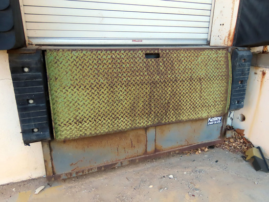 (3) Kelley Kwik-Plate Steel Hydraulic Lift 6' Dock Plates.