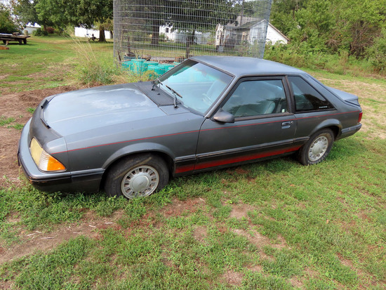 1989 Ford Mustang LX 2-Door Hatchback, 2.3 Liter Gas Engine, Automatic Transmission, Cloth Interior,