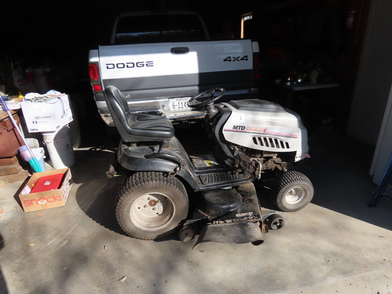 MTD Gold Tractor-type Riding Lawn Mower, Briggs & Stratton 23 HP Intek V-Tw