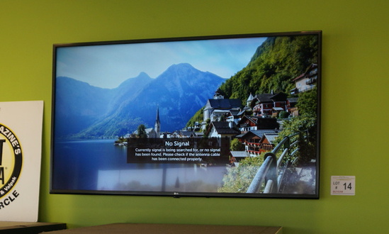 """LG 55"""" Flat Panel TV with Wall Mount & Remote (Only 1 year old-used maybe 3"""