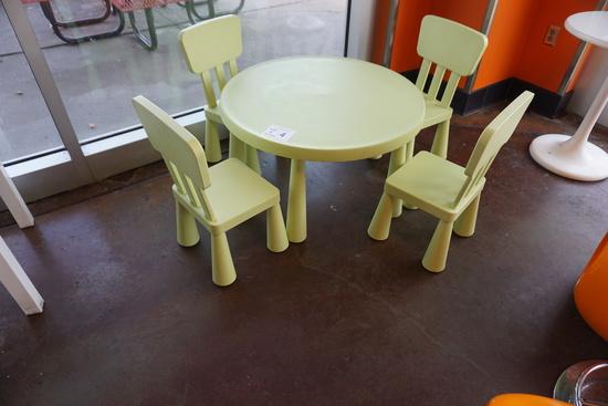 Children's Plastic Table & (4) Chairs (Light Green).