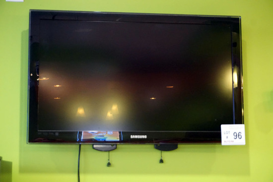 """Samsung 42"""" Flat Screen TV with Wall Mount, Remote & Westinghouse TV (The W"""