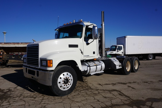 2008 Mack Model CHU613 Tandem Axle Conventional Day Cab Truck Tractor, Mack MP8-415E Turbo Diesel