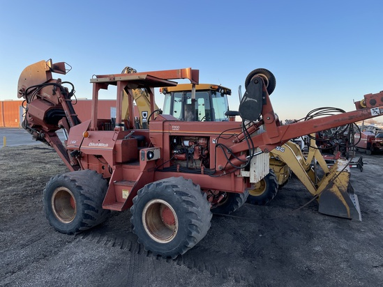 1993 Ditch Witch Model R100D Tractor