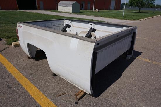 2017 Chevrolet Pickup Box